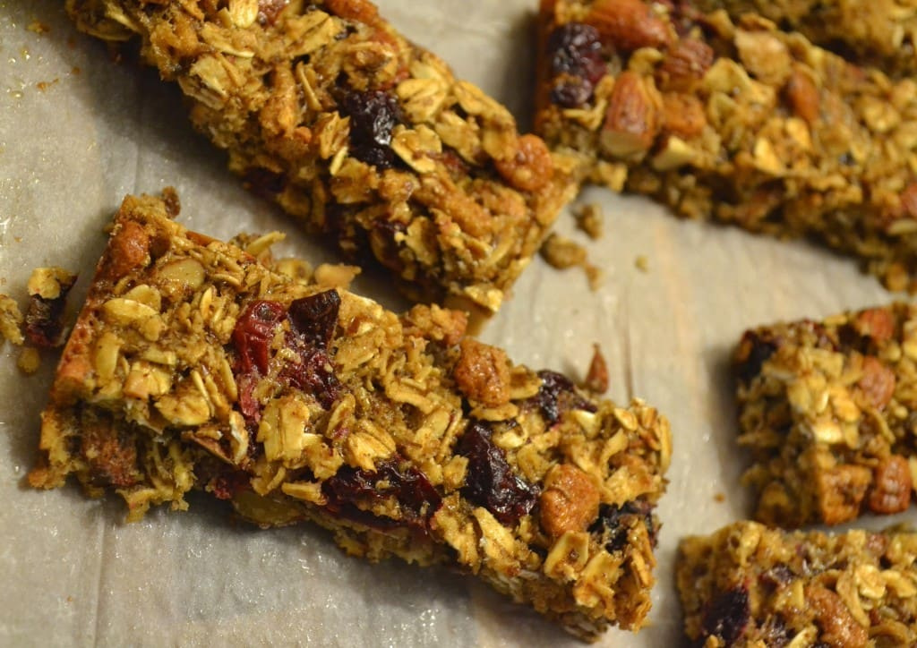 Healthy Cranberry Almond Granola Bars | The Law Student's Wife
