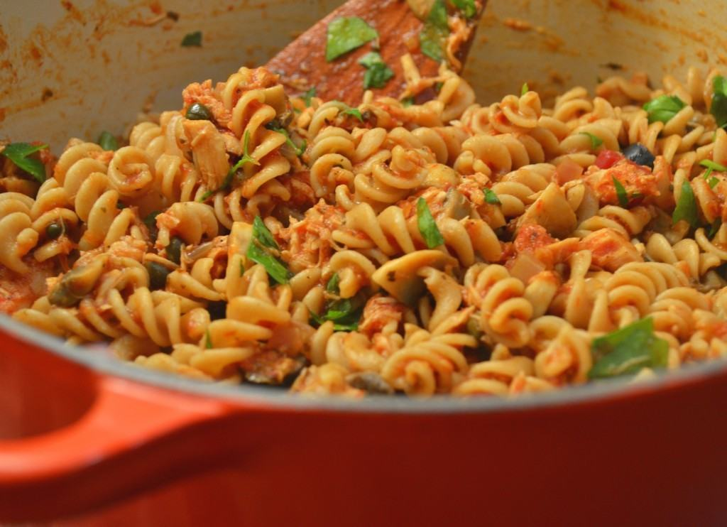 Tuna tomato and mushroom pasta for Tuna fish pasta