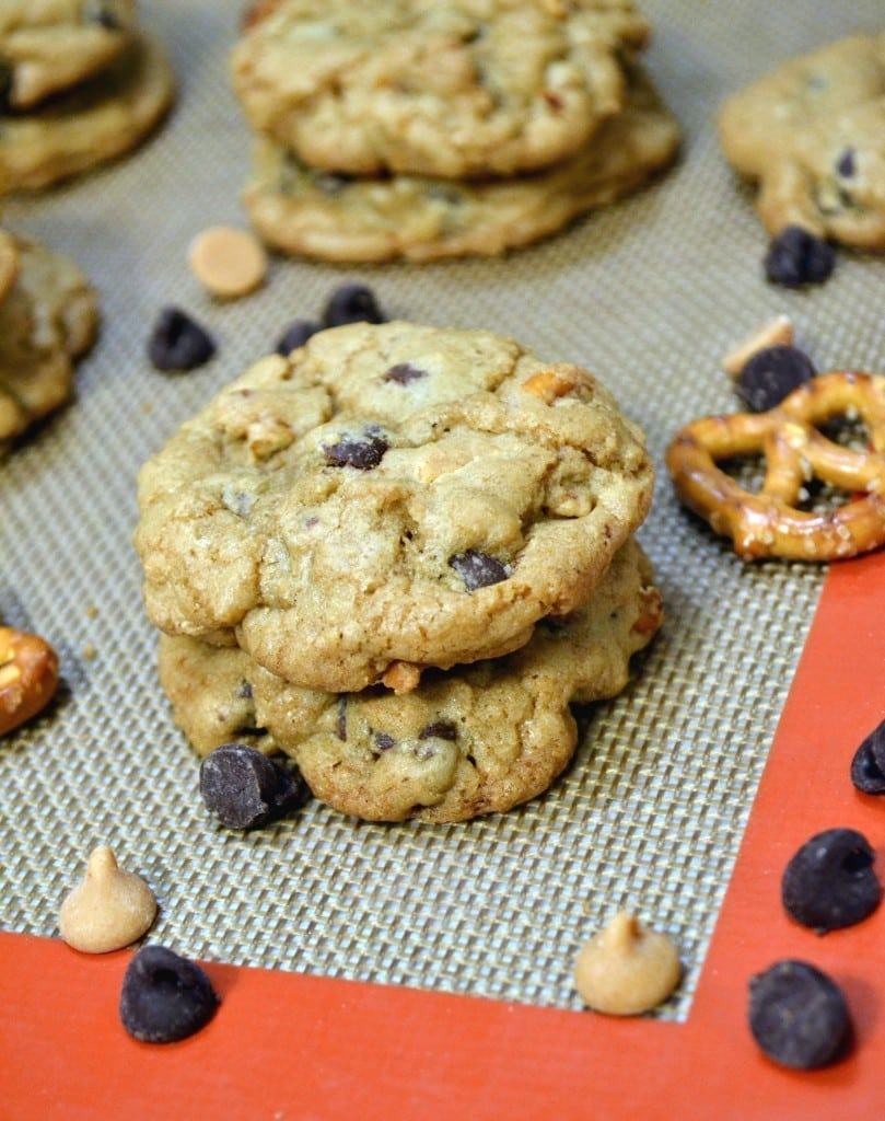 Crispy-Chewy-Pretzel-Peanut-Butter-Chocolate-Chip-Cookie-Recipe-The ...