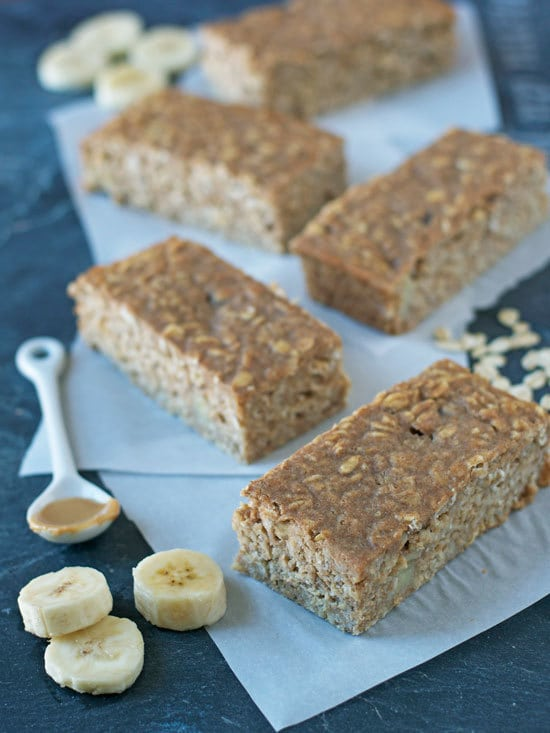 Oatmeal Breakfast Bars with Peanut Butter and Banana