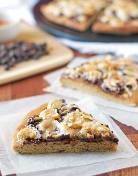 Peanut Butter S'mores Pizza. BEST dessert pizza ever!