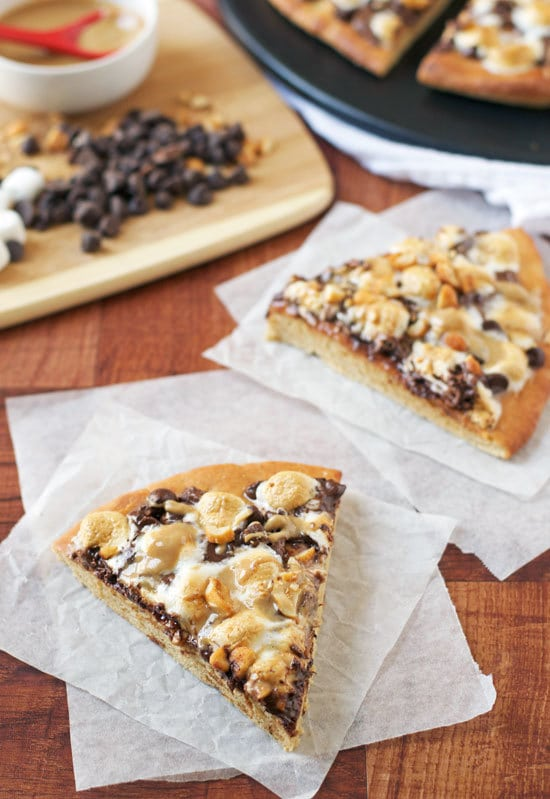 Peanut Butter S'mores Pizza. Incredible dessert pizza!