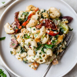 Skinny Greek Mac and Cheese with Crunchy Pita Chip Topping