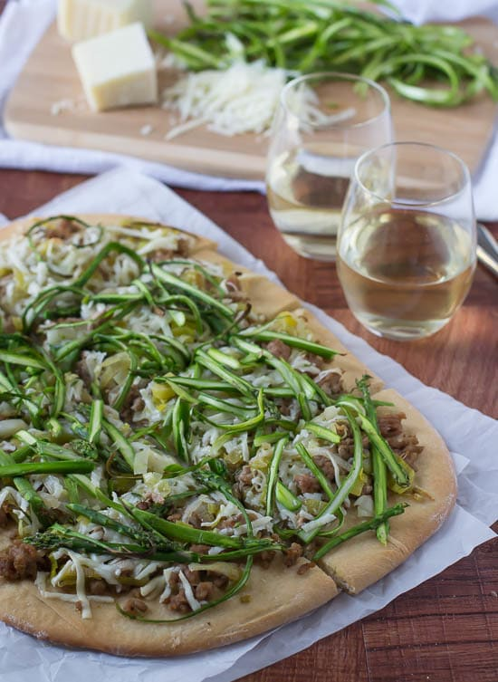 Spicy Turkey Leek Asparagus Pizza Recipe-The perfect way to use asparagus!