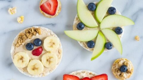 Healthy Fruit Pizzas With Peanut Butter Yogurt Sauce