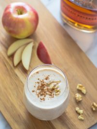 Boozy Apple Pie Smoothies. Tastes just like a grown up apple pie milkshake!