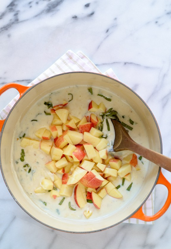 Healthy Cheddar Ham and Apple Casserole with the best healthy cream sauce