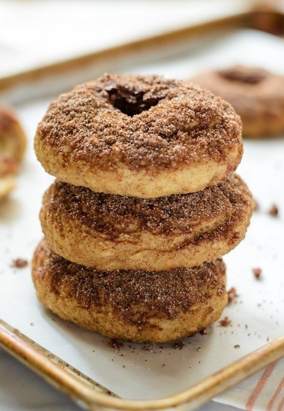 Snickerdoodle Bagels with Cinnamon Crunch Topping. Homemade bages that taste just like a snickerdoodle cookie!