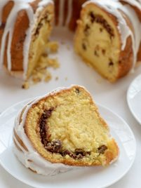 Easy Butter Bundt Cake with Cinnamon Streusel