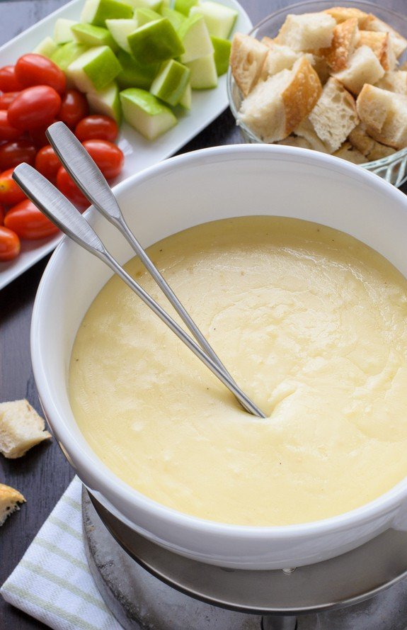The Best Cheese Fondue Recipe So Easy And Your Friends Will Be Totally Impressed