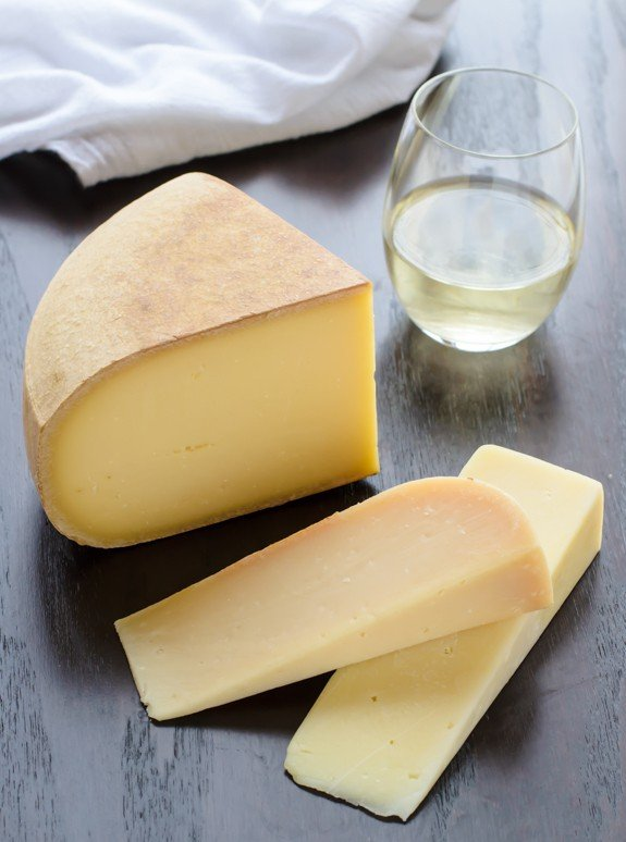 How to Make Swiss Cheese Fondue at Home