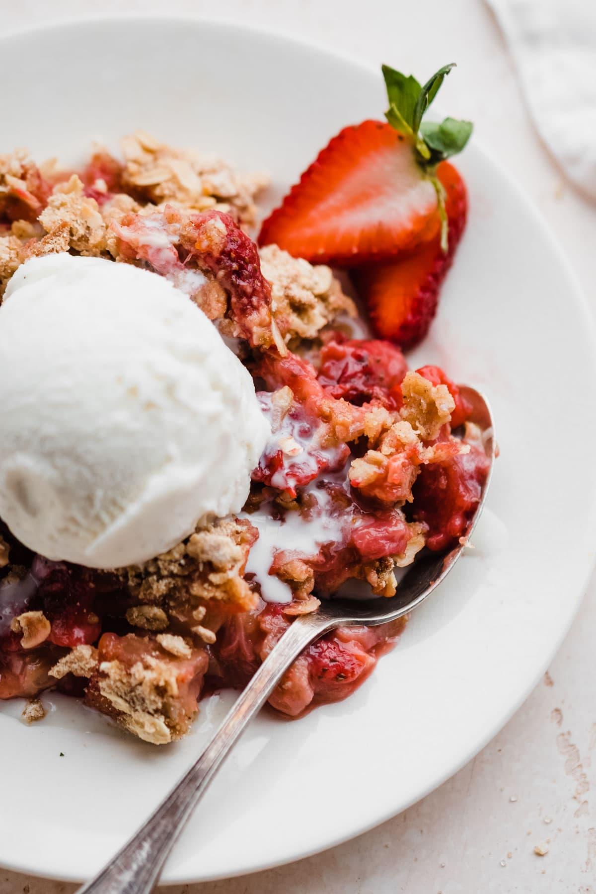 The Best Strawberry Rhubarb Crisp