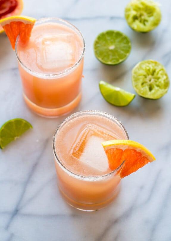 Fizzy Pink Grapefruit Margaritas. The is the best margarita recipe! So refreshing