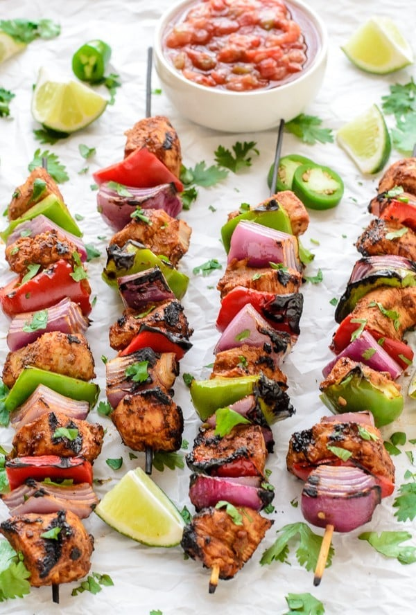 Fajita Chicken Kebabs Easy Grilled Recipe Wellplated Com