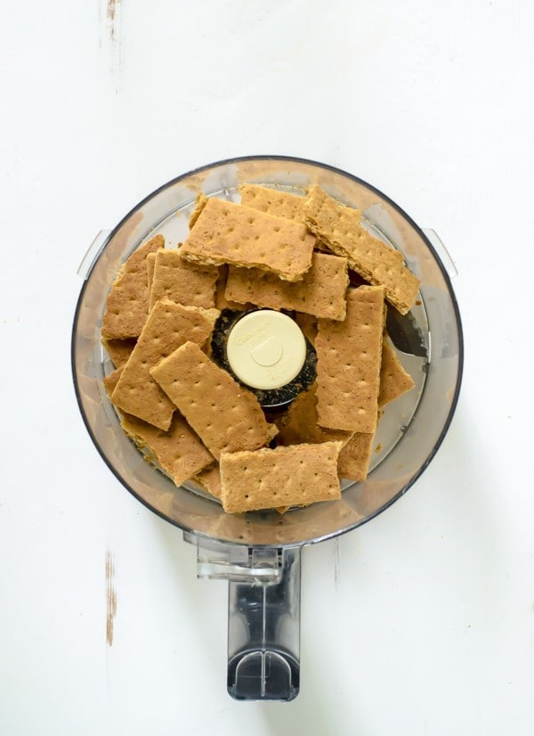 how to keep graham cracker crust from sticking to pan