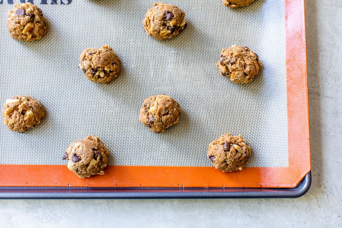 Perfect Soft And Chewy Chocolate Chip Cookies Made With Whole Wheat And Walnuts