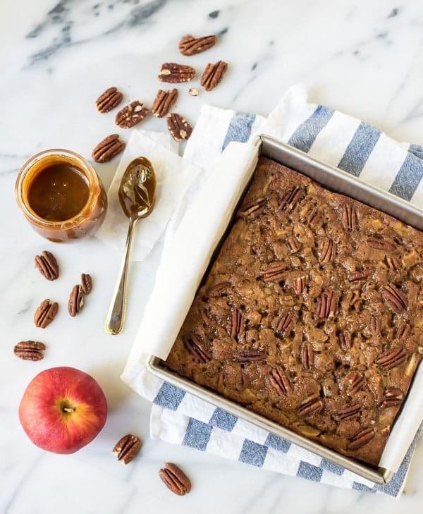 Gooey Caramel Apple Cake with Cinnamon and Pecans