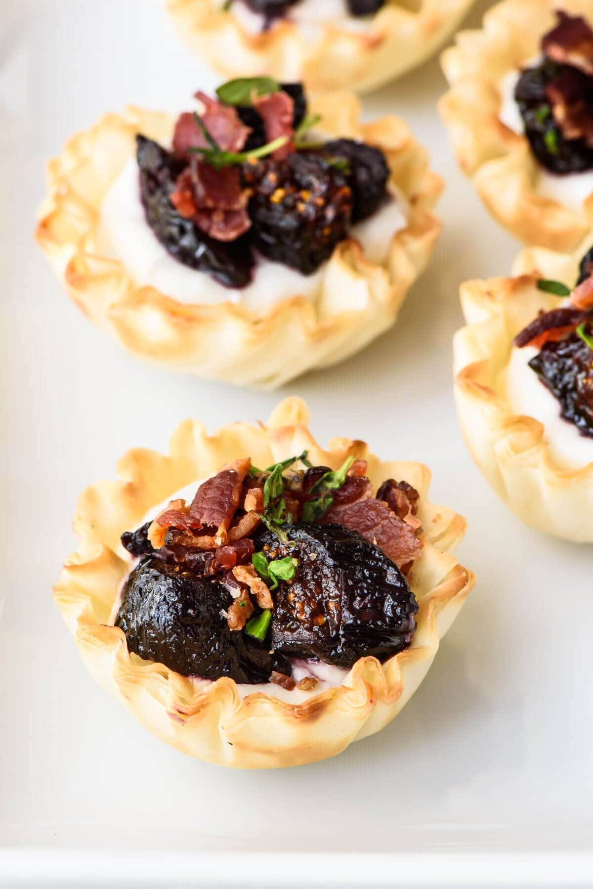 Mini Fig Goat Cheese Bacon Bites. Premade phyllo dough cups make for ...