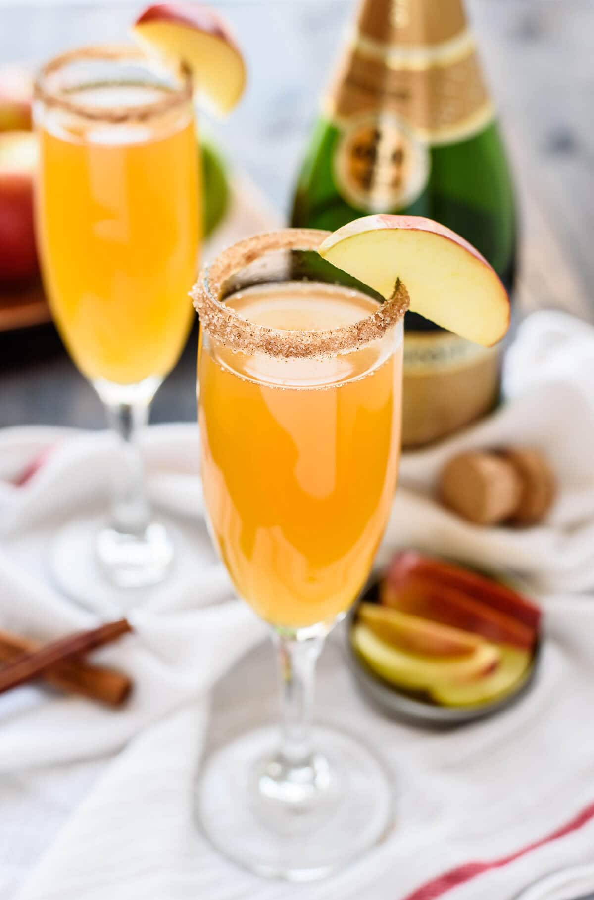 Apple cider champagne cocktail for Champagne mixed drinks