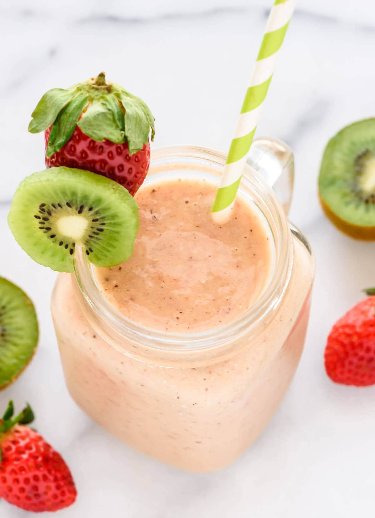 Simple and delicious strawberry kiwi smoothie recipe. Loaded with ...