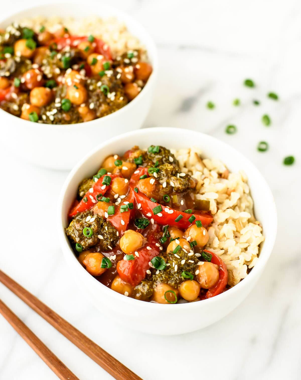 One pan General Tso's Chickpeas - a vegetarian twist on classic General Tso's Chicken that's easier to make with HALF the calories. WAY better than take out!