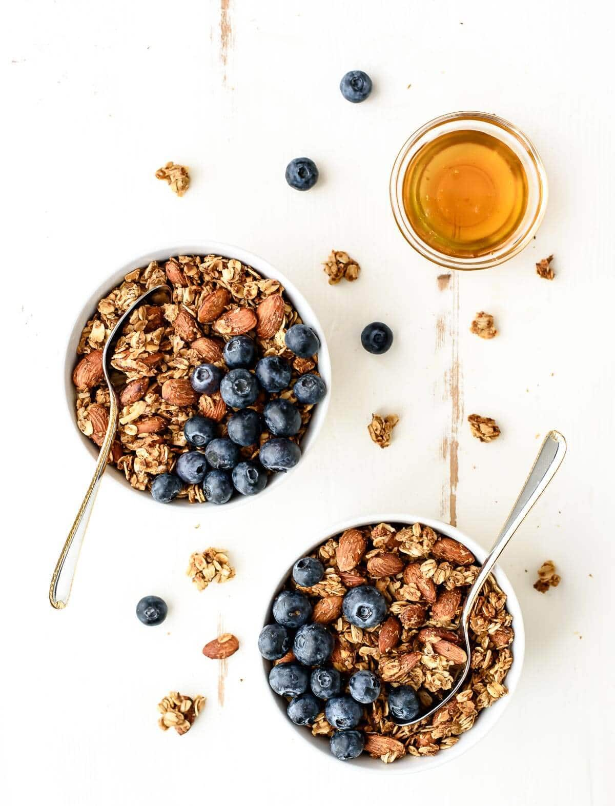 This Honey Almond Flax Granola is the BEST healthy granola recipe! Made with whole grains, super food flaxseeds, and honey, it tastes great and is great for you too.