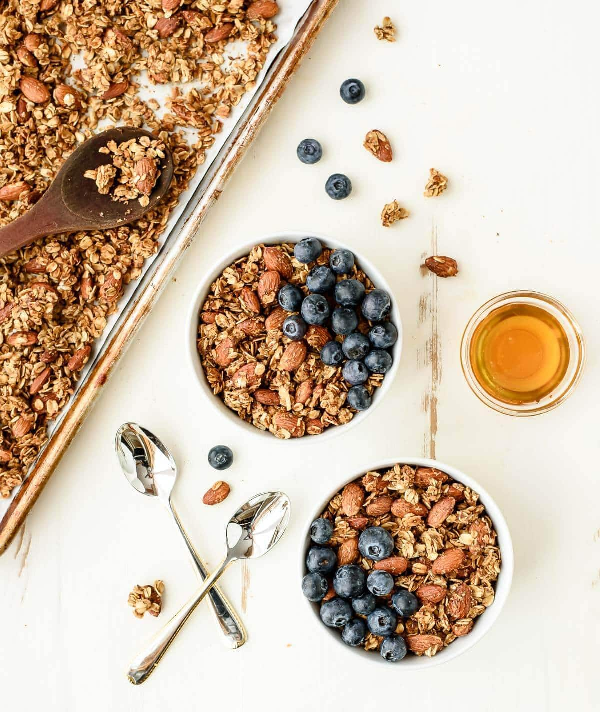 Stop wasting money on store-bought granola and make this homemade healthy granola recipe instead! Made with simple ingredients like oats and honey and so good for you too!
