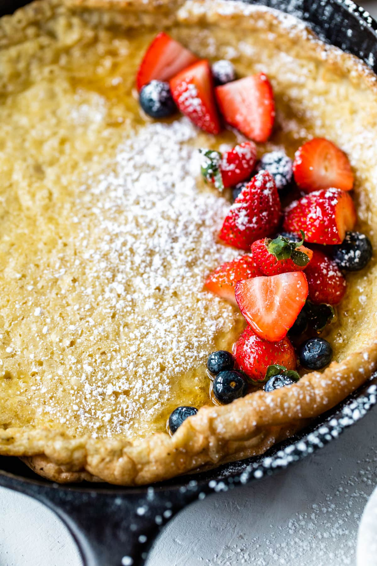 German Oven Pancakes with Blueberry and Lemon—Only 5 minutes to prep and a family favorite! @wellplated
