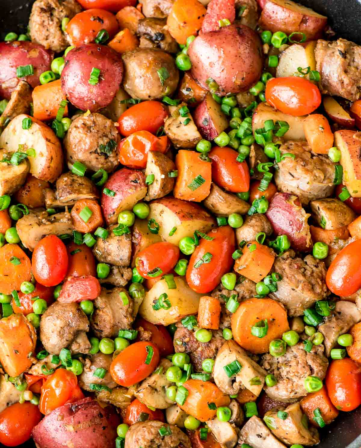 Italian sausage skillet with vegetables and potatoes this italian sausage potato and veggie skillet is a delicious and easy dinner recipe forumfinder Choice Image