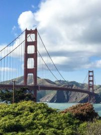 Golden Gate Bridge: A top attraction in San Francisco