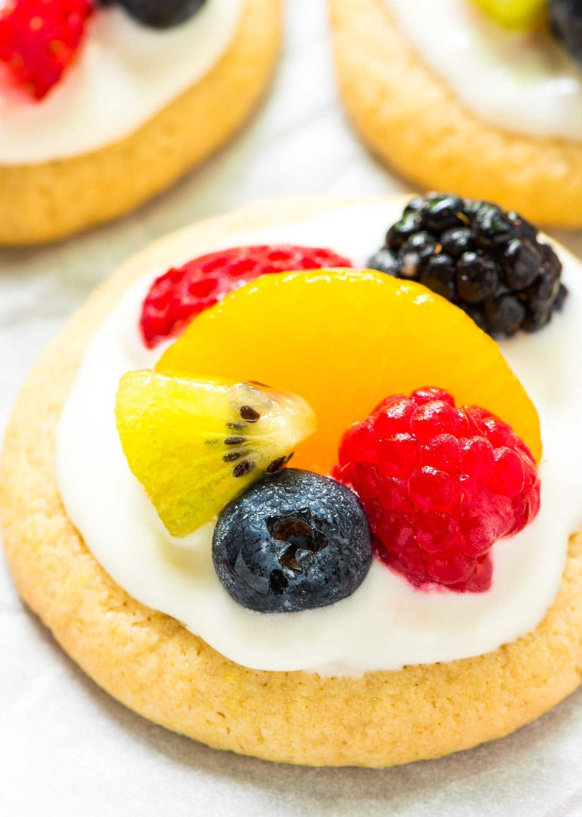 fruit sugar cookie fruit pizza