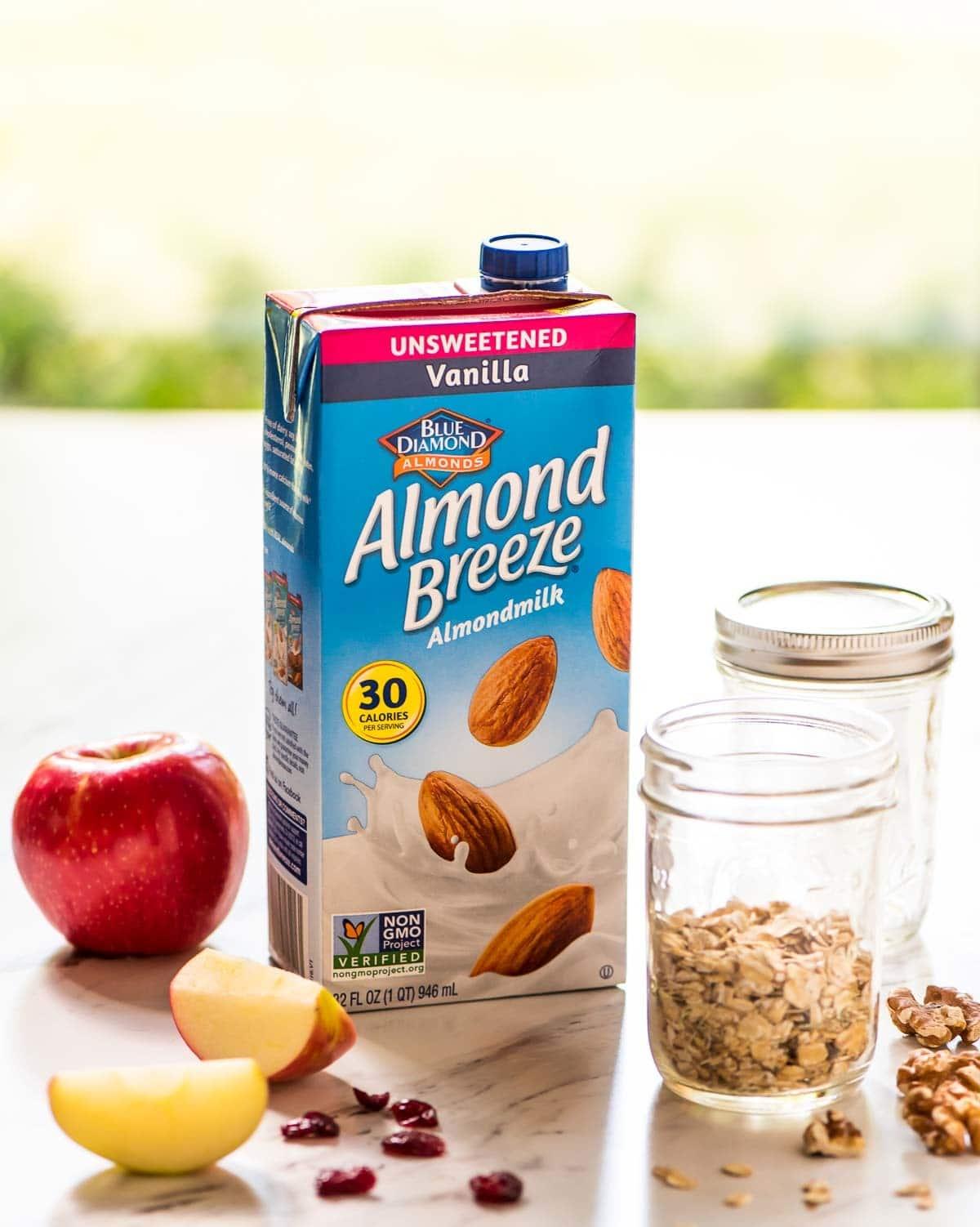 Apple Cinnamon Overnight Oats that taste like apple pie! @wellplated