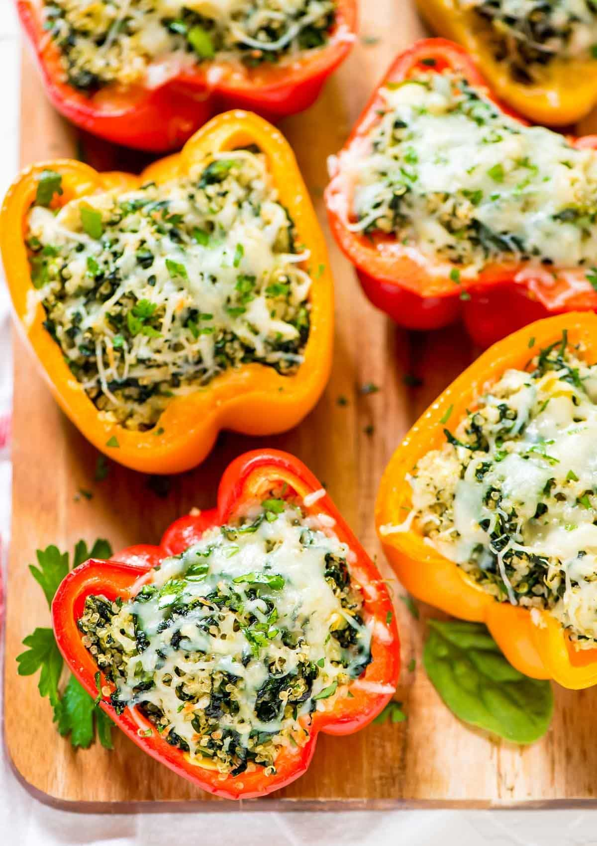 Spinach Artichoke Quinoa Stuffed Bell Peppers – An easy to make, healthy, balanced meal! @wellplated