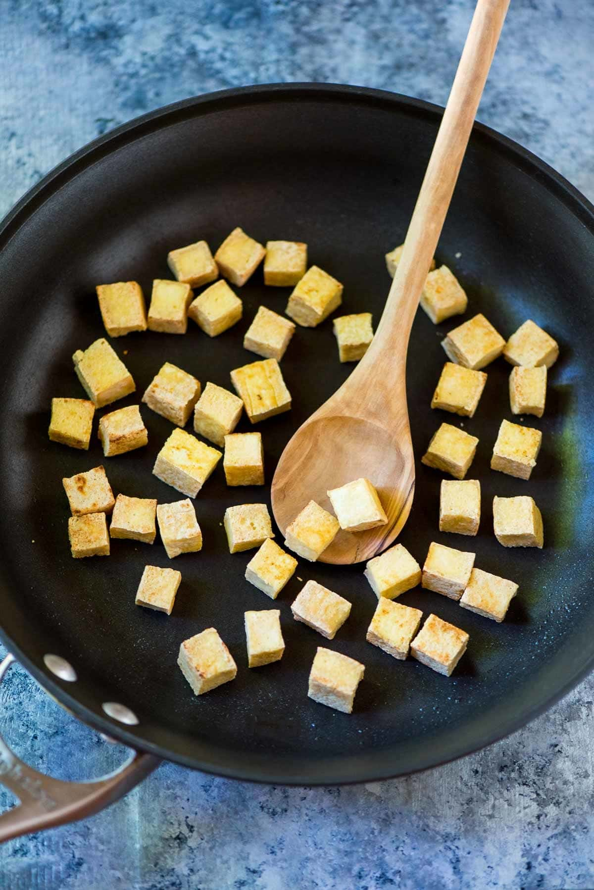 How to make Crispy Tofu that actually tastes great! No baking, pressing or frying required! This one simple trick is all you need. @wellplated