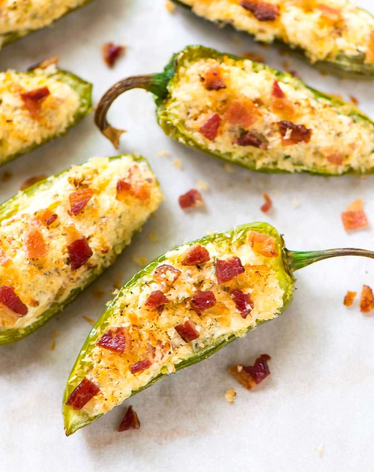Easy jalapeno poppers recipe with bacon and cream cheese