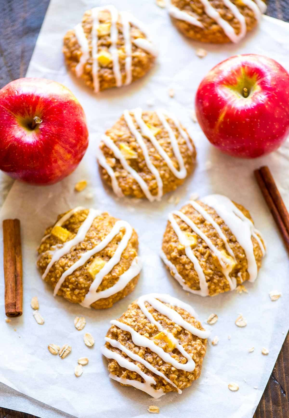 Thick and chewy Healthy Apple Oatmeal Cookies. @wellplated