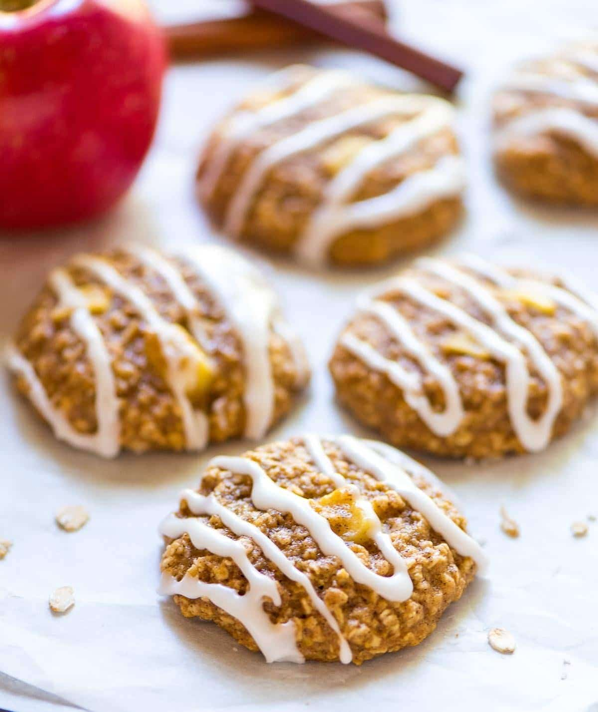 Thick, soft, and chewy Apple Oatmeal Cookies. Healthy and perfect for snacks, lunchboxes, and dessert! @wellplated