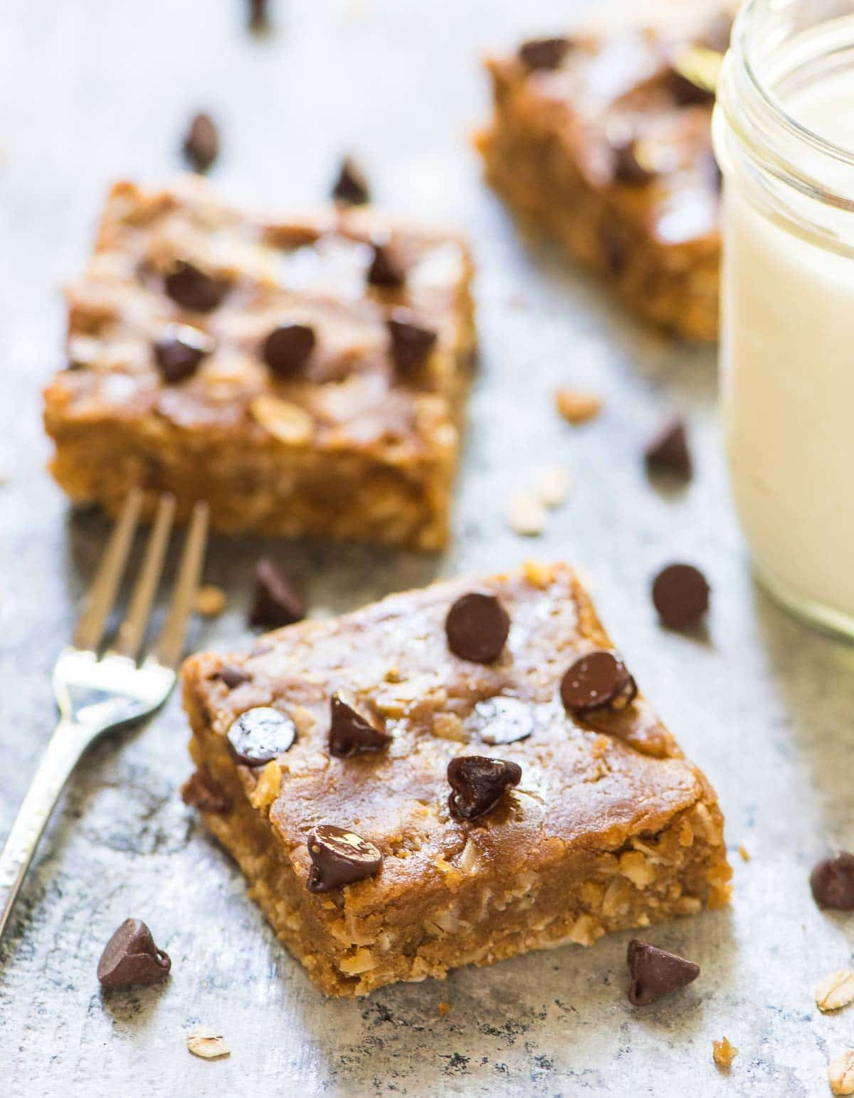 Peanut Butter Oatmeal Chocolate Chip Bars. NO BUTTER, no oil, and no ...