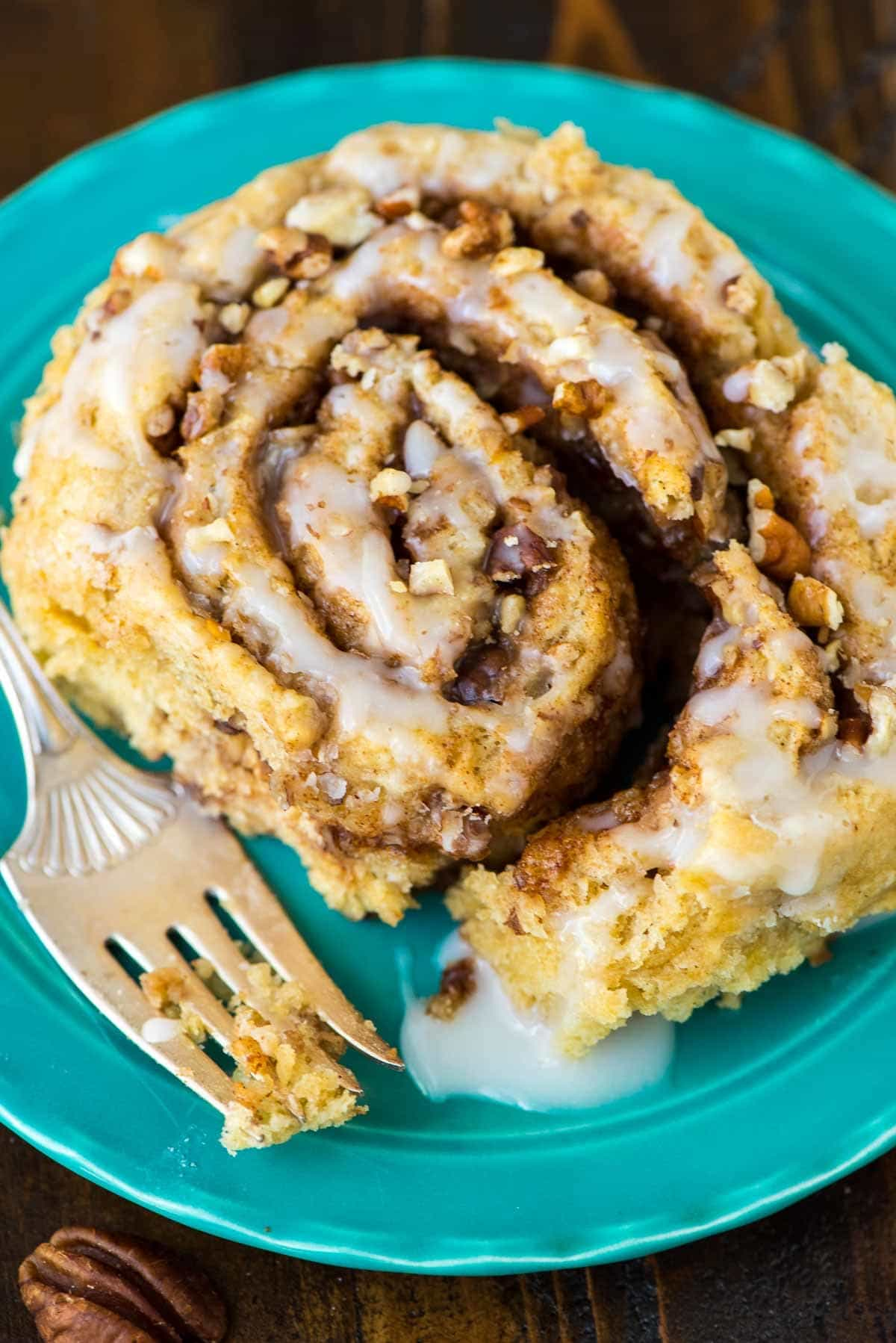 Biscuit Cinnamon Rolls – Easy recipe that uses biscuit dough, so there's no need to wait for them to rise! Soft and buttery with gooey cinnamon sugar filling and buttermilk glaze. Recipe at wellplated.com | @wellplated
