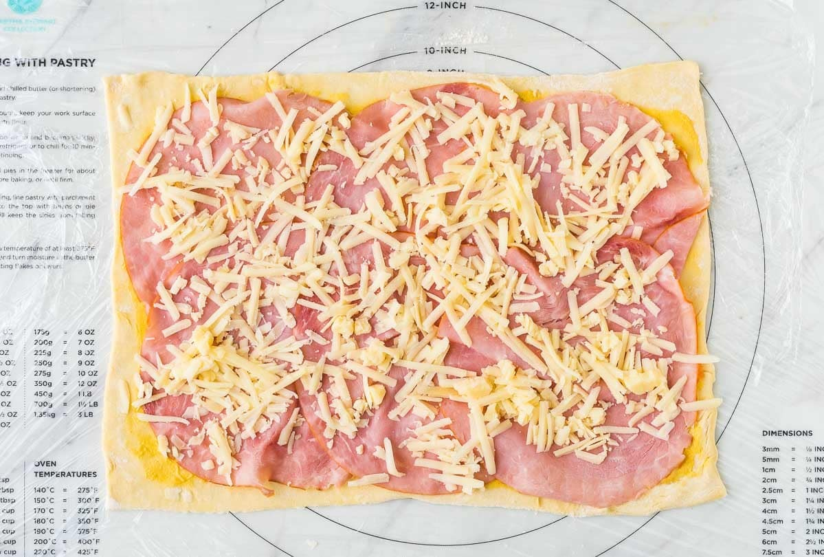 Ham and cheese pinwheels well plated by erin easy ham and cheese pinwheels with puff pastry just four ingredients everyone loves these forumfinder Choice Image