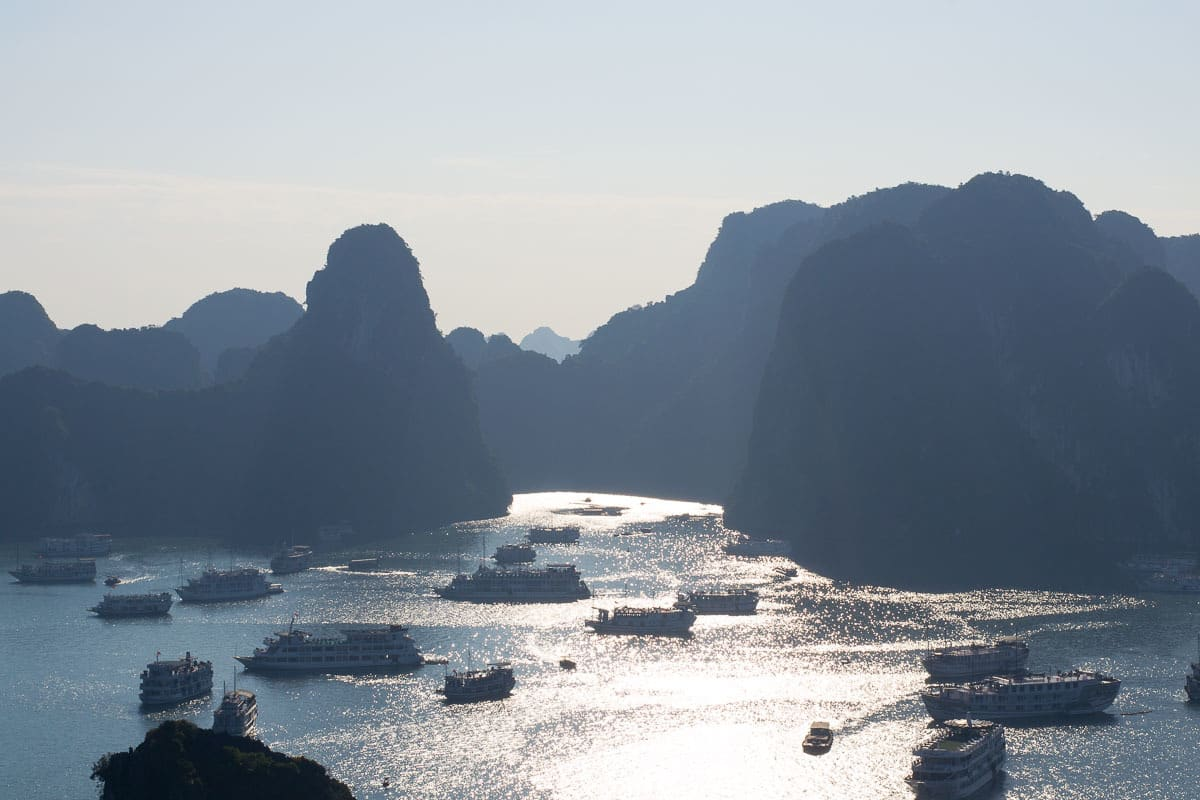 halong-bay-tourist-boats
