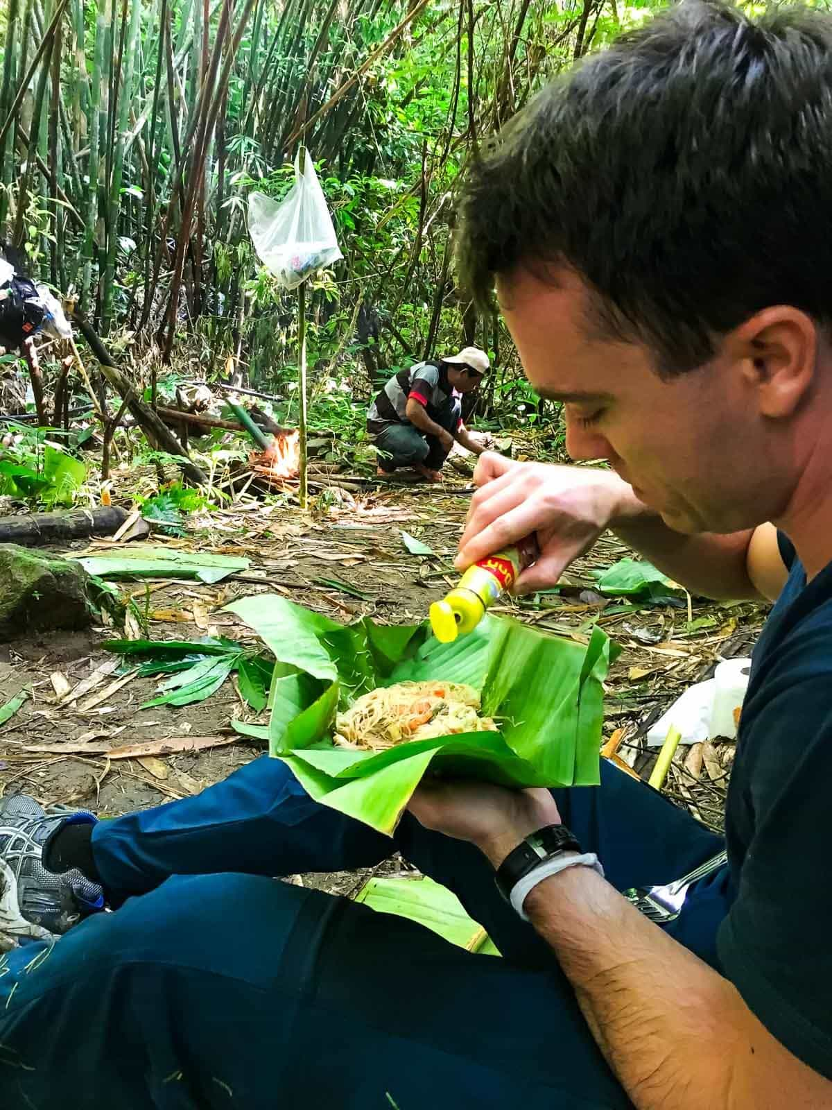 Northern Thailand hiking - Banana leaf noodle lunch