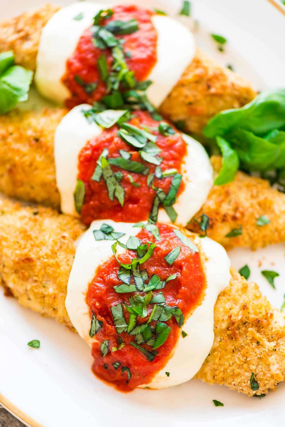 Healthy Baked Chicken Parmesan The Best Crispy On The Outside Juicy And Tender