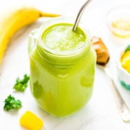 Banana Kale Pineapple Smoothie — the BEST, most delicious green smoothie! Packed with protein, it keeps you full, so it's great for weightloss or detox. Easy, healthy, and even kids love it! Recipe at wellplated.com | @wellplated