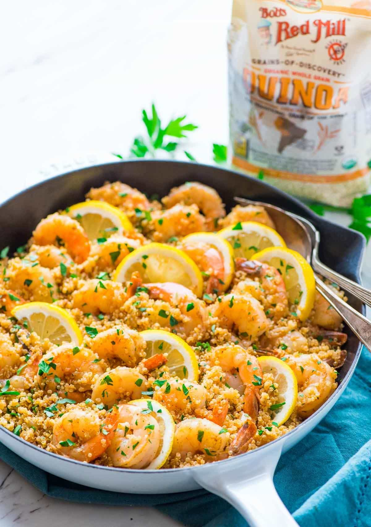 Lemon Garlic Shrimp with Quinoa. Fast, healthy, and delicious! Recipe at wellplated.com | @wellplated