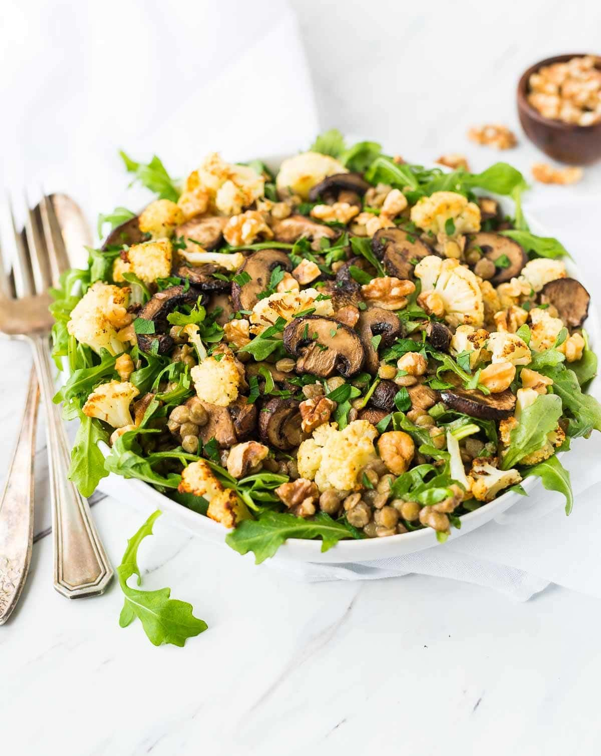 Green Lentil Salad with Roasted Cauliflower and Mushrooms. Bright, healthy, and filling! {vegan, gluten free} Recipe at wellplated.com | @wellplated
