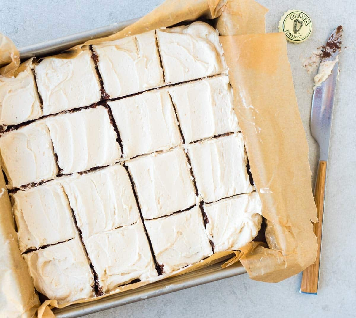 Guinness Brownies – Super moist and chewy brownies made with a hint of beer and topped with Guinness frosting. If you've like fudgy brownies, you will LOVE this stout brownie recipe! Recipe at wellplated.com   @wellplated