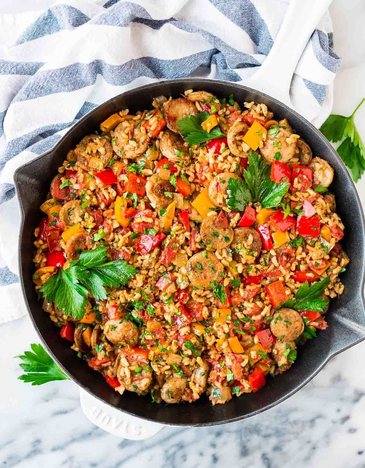 Easy Italian Sausage and Rice Casserole. Ready in 30 minutes! Simple, healthy weeknight dinner. Ready in just 30 minutes! Recipe at wellplated.com | @wellplated