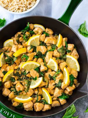 One Pan Lemon Basil Chicken – 20 minutes! Fresh, flavorful, and healthy. Serve with rice for an easy weeknight meal. Recipe at wellplated.com | @wellplated
