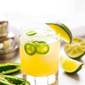 Skinny Jalapeno Margarita with fresh lime juice and agave. Easy and ultra refreshing with a spicy kick! Recipe at wellplated.com | @wellplated